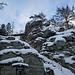 Felsburg Hackelstein, kurz vorher sowie direkt am Fels finden sich biwaktaugliche Unterstände