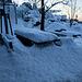 Das Kösseinehaus liegt ziemlich windexponiert. So sammelt sich hier viel Schnee und der einzige frisch gefallene Baum, den ich am Vortag sah, lag direkt vor dem Kösseinehaus.