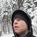 Ohne wasserdichte Kapuze wäre es an diesem Tag nicht gegangen. Ständig kamen Schneebrocken von den Bäumen nieder.