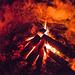 Mit der in Hagenohe deponierten Holzkohle brachte ich das Feuer dennoch in Gang und konnte mir vor einer sehr kalten Nacht noch einmal die Füße wärmen