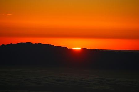 Sonnenaufgang über der Nachbarinsel Gran Canaria. Es war ein toller Moment das Naturschauspiel auf dem Pico del Teide (3717,98m) zu verfolgen.