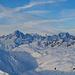 Berner Hochalpen mit spannendem Himmel. Eigentlich würde die Sonne die Gipfel bereits erreichen, wären da nicht die hohen Wolkenfelder.