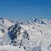 Oberalpstock und Tödi, dazwischen der Badus. Ganz rechts der einsame Lolenpass.
