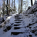 das Ende der Schattenseite, über diese Treppe geht es wieder hinauf auf den Grat