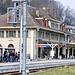 Ein beinahe identisches Bahnhofsgebäude dieser Art findet sich in Vallorbe