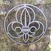 Pfadfinder-Emblem beim Pfadfinderheim.