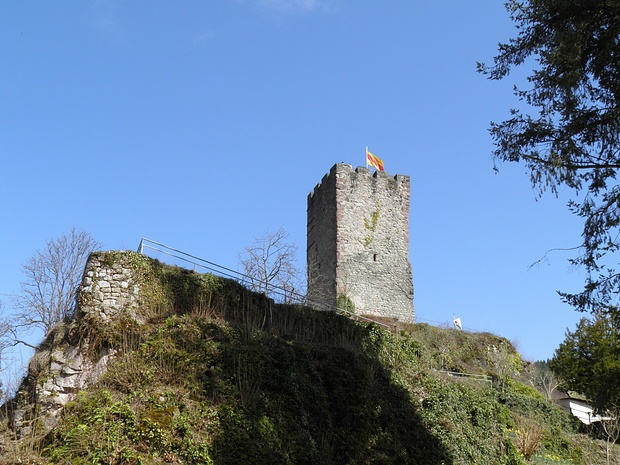der besteigbare Turm von Schloss Hornberg