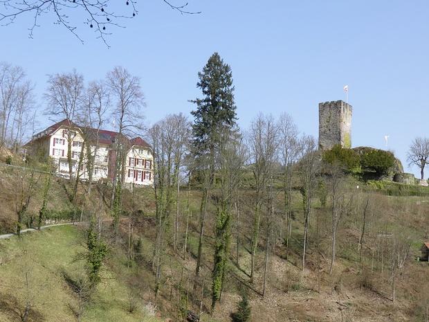 Schlosshotel mit Aussichtsturm