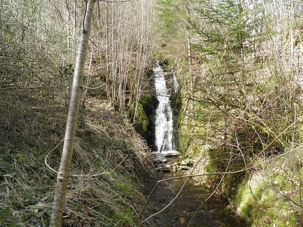 """Wasserfall nahe Triberg- er hat aber nichts mit den """"Triberger Wasserfällen"""" zu tun"""