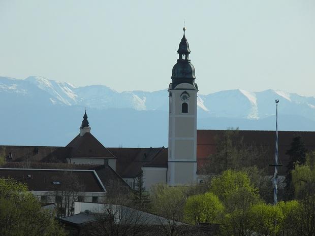 das ehemalige Kloster in Attel ist heute ein Heim für geistig behinderte