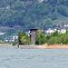 Zurück am Uferweg sehen wir wieder den Aussichtsturm am Reussdelta.
