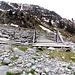Finalmente, ponte dolce ponte, siamo quasi arrivati, anche se per arrivare al Alp Puzzetta bisogna risalire un centinaio di metri di ripida salita su sentiero, il famoso spacca gambe