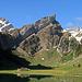 eines der schönsten Plätze im Alpstein, der Seealpsee mit Aussicht zum Säntis