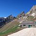 Altenalp, Alp mit Berggasthaus, Heute immer noch zu, - oben rechts die Altenalptürme