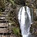 Grosser Wasserfall am Ende der Schlucht