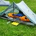 Nachtlager beim Seeli. Heute kommt das neue Zelt erstmals zum Einsatz. Ich bin eher begeistert. Das ganze (2er) Zelt wiegt gerade mal 602 Gramm.