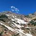 Auf den Alpilakopf gibt es kein markierten Wanderweg und die ausgesetzten Stellen sind auch nicht gesichert, Wanderspuren sind im unteren Bereich gut erkennbar,  rot, der ungefähre Aufstieg, blau, der Abstieg