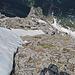 """der """"normale"""" Aufstieg geht wahrscheinlich im Bereich vom Schneefeld nach oben über diese Stelle."""