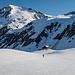 Mit Ski kann man direkt bis zur Hütte fahren