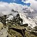 Verso la lunga cresta percorsa che dal Piz Greina ci porta al Piz Vial, notare a sinistra verso il piano della Greina quanta neve