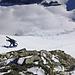 Angenehmer Ausstieg zum Gipfel. Die Abfahrtsspuren vom Freitag sind noch erkennbar...