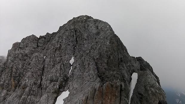 Blick von der Vorderen Brandjochspitze zur Hinteren Brandjochspitze.