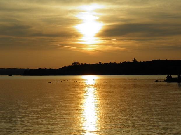 """""""karibischer"""" Sonnenuntergang in Herrsching-immer wieder schön,sogar die Temperatur stimmte einigermassen"""