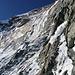 Nach der Querung am Stand. Diesen oberen Teil des Eisfalls lässt man hingegen links liegen.