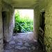 Presa Bruciata, le sentier passe à travers le sous-sol du bâtiment.