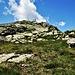 Ecco la cima con il bivacco Nido d'Aquila.