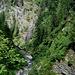 La cascata è formata dal Ri del Lago<br />emissario del Lago di Sfii