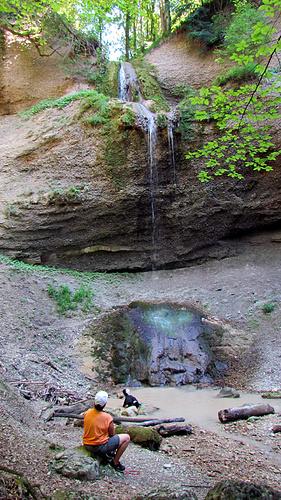 Ein Bild, das draußen, Boden, Baum, Rock enthält.  Automatisch generierte Beschreibung