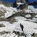 Noch liegt viel Schnee auf dem Weg zur Sidelenhütte