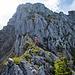 Auf der Gratschulter angelangt. Es folgt nochmals ein steiler Abschnitt (kurzer Abstieg, dann Querung aufsteigend nach rechts).