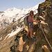 Sentier de descente de la Mischabelhütte sur Saas Fee. Mieux vaut rester concentré.