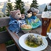 ...mit den besten Spinatknödeln der Welt / con gli ottimi canederli di spinaci del mondo
