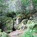 Eisige Luft kam aus den Eislöchern raus. Ein Bericht im Netz mit Foto vom 06.08.2006 zeigt Eisreste in der Höhle.