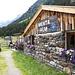 <b>In circa trenta minuti di tranquillo cammino pervengo all'Alpe Menta (1657 m).</b>