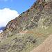 Flanc SW du Jegihorn.<br /><br />En rouge, le passage de l'ancien sentier Weissmieshütte - Ze Dri Seewjine équipé d'échelles. (Non utilisé pour la randonnée actuelle, ce sera pour une autre fois.)