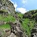 Anders als es das Bild vielleicht vermittelt, ist der Aufstieg durch diese Felsrinne eine haarige Angelegenheit.