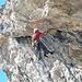 <b>Sul versante orientale del promontorio roccioso quotato 2303 m, Hans-Jörg sta aprendo una nuova via d'arrampicata. Gentilmente mi permette di scattare alcune foto che pubblico volentieri.</b>