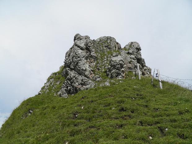 jetzt geht es zur Sache-völlig harmlos ist der Aufstieg zum Kirchstein nicht.Es ist steiler als es aussieht und die Hände braucht man zum Abstützen auch.T4,I