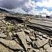Magnifiche formazioni rocciose a mo di piode sotto il Piz Piotta