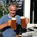 [u WoPo1961] hat 800km weiter weg und 4506m weiter unten via WhatsApp die frohe Kunde vom Gipfelerfolg vernommen. Er stösst mit sich selber an und kann somit 2 Biere trinken, pfiffiger Bursche dieser Flachlandhausener!