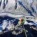 [u Leuti] am Abseilen, und 1500m weiter unten der Ischmeer-Gletscher