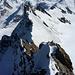 Oben am 3. Aufschwung angelangt: Blick zurück zu den beiden Zwillingen und zur Roccia Nera, darüber von rechts Castor, Pollux, Liskamm, Signalkuppe, Zusmtein- und Dufourspitze