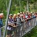 Gruppenbild mit Brücke