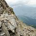 <b>Bild 15.</b> Rückblick beim Abstieg während der Querung auf den Bändern in der Nordflanke. Nach diesem Band gelangt man in die Westflanke.