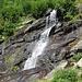 Einer der vielen Wasserfälle