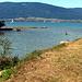 hier mündet die Menthue in den Lac de Neuchâtel